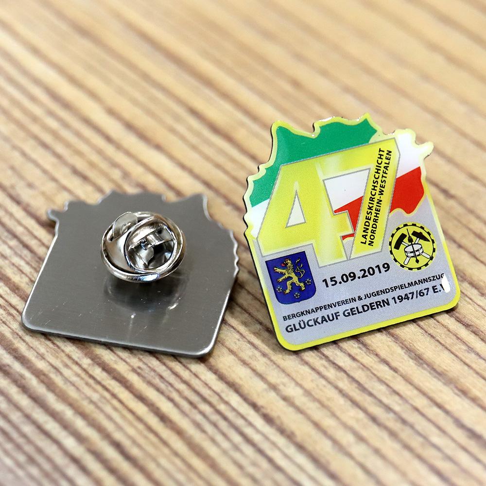 Anstecknadeln & Pins 1